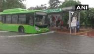भारी बारिश से थमी दिल्ली की रफ़्तार, जगह-जगह जलभराव से परेशान जनता