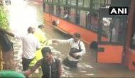 दिल्ली: बाढ़ के पानी में डूबी यात्रियों से भरी बस, 30 लोगों को सुरक्षित बचाया गया