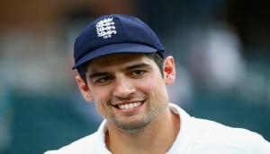 Former England skipper Alastair Cook claims David Warner used strapping on hand to tamper with ball