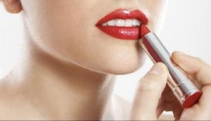 त्वचा की रंगत के हिसाब से चुनें Lipstick, खिल उठेगा आपका चेहरा
