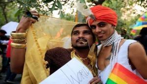 Section 377: सिर्फ यौन संबध बनाने की मिली आजादी, शादी करने का अधिकार अभी कोसों दूर