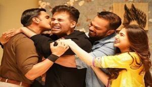 Karan Johar welcomed with hugs, kisses on 'Simmba' sets