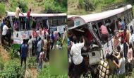 तेलंगाना: श्रद्धालुओं को लेकर जा रही बस खाई में गिरी, 6 बच्चों सहित 40 की मौत