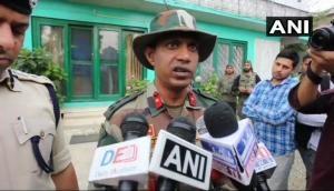 जम्मू-कश्मीर: सेना ने मार गिराए दो आतंकी, गांव वालों ने बताया भूखे टंकियों ने घर में घुस आकर लूटे सेब और बिस्किट