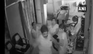 VIDEO: CCTV में कैद हुई DMK के पूर्व पार्षद की दबंगई, ब्यूटी पार्लर में घुस कर की थी महिला की पिटाई