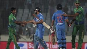 Pakistan coach Mickey Arthur blames under pressure batsmen for heavy loss against India