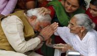 प्रधानमंत्री मोदी की शख्सियत का अनछुआ पहलू, मां पर लिखी कविता से बने 'कवि नरेंद्र'