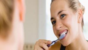 दांतों और मसूड़ों की परेशानी को ना करें अनदेखा, वरना हो सकती है ये लाइलाज बीमारी