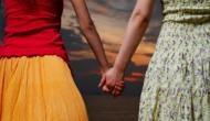 इस दुल्हन को शादी के पांच महीने बाद पति छोड़ ननद से हुआ प्यार, बाथरूम में ये करते पकड़ी गई