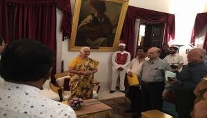 Congress meets Goa Governor, demands floor test by BJP-led government