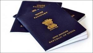 पति के पासपोर्ट के साथ पत्नी ने किया ऐसा बुरा हाल, देखकर चौंक जाएंगे आप