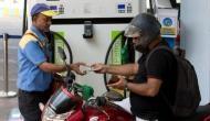 पेट्रोल-डीजल की कीमतों में कटौती जारी, आज इतने रुपये कम हुए दाम