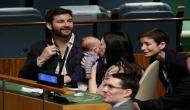 3 महीने की बेटी के साथ UN की बैठक में पहुंचीं इस देश की प्रधानमंत्री, एक साथ निभाया मां और नेता होने का फर्ज