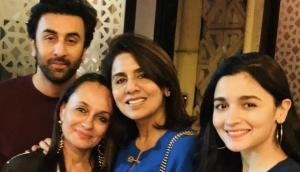 Alia Bhatt with his mommy Soni Razdan met Neetu Kapoor on Ranbir Kapoor's birthday