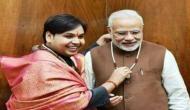 PM मोदी का आध्यात्मिक गुरु बन ठगता था ये कथक डांसर, पुलिस ने किया गिरफ्तार