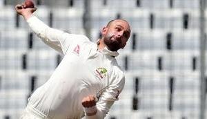 Australia gain batting practice against Pakistan after Lyon's 8-103