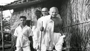 Move to posthumously award US Congressional Gold Medal to Mahatma Gandhi