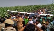 Video: जय बजरंगबली के नारे के साथ गांव वाले बन गए क्रेन, कंधों पर उठाया क्रैश हुए विमान का कई टन भारी मलबा