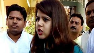 सपा की पूर्व प्रवक्ता पंखुड़ी पाठक पर जानलेवा हमला, बजरंग दल के कार्यकर्ताओं पर लगाया आरोप