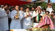 MP: राहुल गांधी के रोड शो में हुआ धमाका, आग की लपटों के करीब से गुजरे कांग्रेस अध्यक्ष
