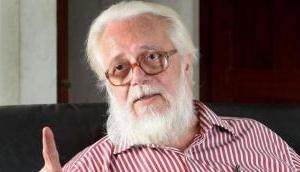 ISRO Spy row: Kerala CM presents Rs 50 lakh worth cheque to Nambi Narayanan