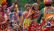 Navratri 2018: खुशियों के रंग से भरना चाहते हैं जीवन तो नवरात्रि के 9 दिनों में पहनें ये ख़ास 9 रंग