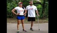 इस शख्स ने मैराथन प्रतियोगिता में एक पैर से 10 किलोमीटर दूरी तय करके किया झिंगाट गाने पर डांस
