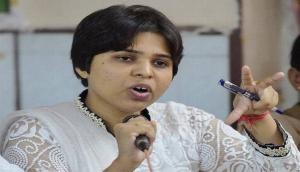 Kerala: Women rights activist Trupti Desai decided to visit Sabarimala temple amid raging sentiments against women entry