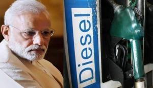 मोदी सरकार हुई मेहरबान, त्योहार के पहले घटाए पेट्रोल-डीजल के दाम