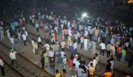 Video: अमृतसर का दर्दनाक रेल हादसा, रावण दहन देखती भीड़ को कुचलती हुई निकल गईं ट्रेनें, 1 मिनट में बिछ गईं लाशें