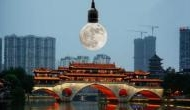 आश्चर्य: आसमान में तीन 'नकली चांद' लटकाएगा चीन, जानकर दुनिया भर के वैज्ञानिक हो गए हैं हैरान