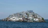समुद्र के बीचों-बीच बसी इस बस्ती पर चलता है ऐसा गोरखधंधा, मौज-मस्ती के लिए आते हैं लोग