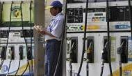 पेट्रोल-डीजल के दामों में कटौती जारी, लुढ़ककर 70 रुपये पहुंचा डीजल का दाम