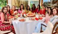 करवा चौथ 2018: अनिल कपूर के घर सेलेब्स ने इस खास अंदाज में मनाया त्योहार, तस्वीरें हुई वायरल