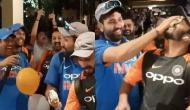 Video: केक काट कर टीम इंडिया ने मनाया जीत का जश्न, कुछ इस तरह से रोहित ने धोनी को डराया!