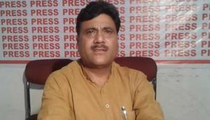 जम्मू-कश्मीर में BJP नेता और उनके भाई की गोली मारकर हत्या, घाटी में कर्फ्यू