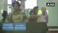 सबरीमाला मंदिर में प्रवेश के लिए कोच्चि पहुंची तृप्ति देसाई, प्रदर्शन के चलते नहीं निकल पाईं एयरपोर्ट से बाहर