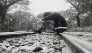 'डिजिटल इंडिया' में नहीं है नौकरियां! ट्रेन के आगे कूदे बेरोजगारी से हताश 4 युवक, 3 की मौत