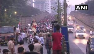 फिर से सड़कों पर उतरे किसान, मुंबई में आज 20 हजार किसानों का हल्ला बोल