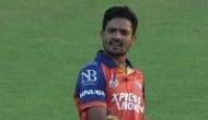 Video: लगातार चार गेंदों पर चार विकेट और क्रिकेट की नई सनसनी बन गया यह गेंदबाज..
