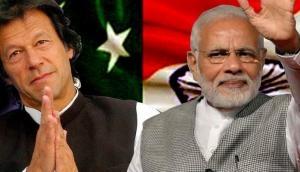 भारत ने किया पाक राष्ट्रीय दिवस का बहिष्कार, इमरान बोले- PM मोदी ने दी बधाई