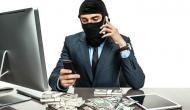 चौकीदार निकला चोर, बैंक लॉकर से उड़ाए 11 लाख के गहने
