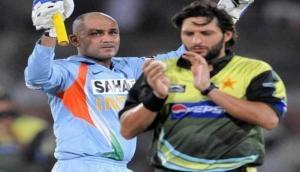 दुनियाभर के बॉलरों में खौफ पैदा करने वाला बल्लेबाज फिर उतरा मैदान पर और लगा दी छक्कों की झड़ी