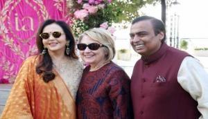 ईशा अंबानी की शादी की देश ही नहीं दुनिया भर में धूम, अमेरिका से हिलेरी क्लिंटन ने भी की शिरकत