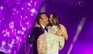 प्री-वेडिंग सेरेमनी में आनंद-ईशा हो गए रोमांटिक और कर लिया Kiss, वीडियो हुआ वायरल