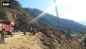 उत्तराखंड में दर्दनाक हादसा, सड़क निर्माण के दौरान टूटी चट्टान, मलबे में दबे 16 मजदूर, सात के मिले शव