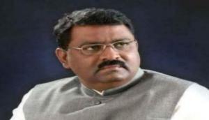 BJP विधायक का शर्मनाक बयान, ''बिहार की महिलाओं के पति तो महाराष्ट्र में रहते हैं और बच्चे गांव में पैदा हो जाते हैं''