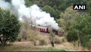 Himachal Pradesh: Fire catches in Himalayan Queen express in Solan, 200 passengers on board are safe