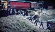 बिहार में डकैतों ने ट्रेन की 5 बोगियों से लूटे 25 लाख, सालों बाद हुई डकैती की ऐसी घटना