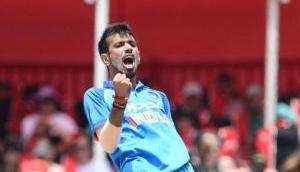 INDvsAUS: चहल के सामने नतमस्तक ऑस्ट्रेलियाई बल्लेबाज, लोगों ने इस तरह से लिए मजे